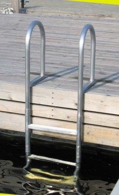 zwemtrap voor steiger of walkant, van aluminium met 3 of 5 treden